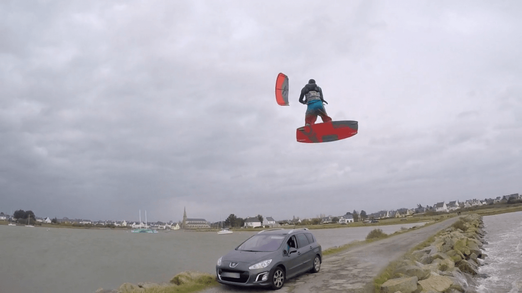Daddy Sessions ep3. Road gap kiteboarding