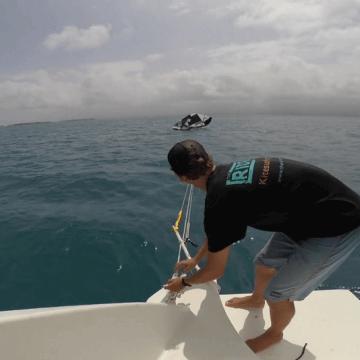[:es]Panama Kitesurfing Cruise - Relanzar una cometa desde un barco[:en]Panama Kitesurfing Cruise - The Boat Launch [:]